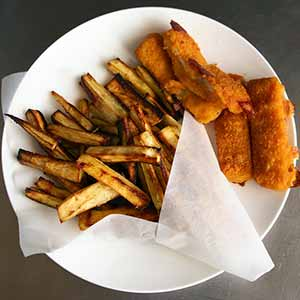 The finished gluten-free fish and chips. Photo: CC--balise42