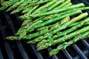 The finished grilled asparagus. Photo: CC-woodleywonderworks