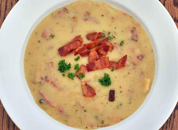 Hearty Baked Potato Soup with Bacon and Cheese (Gluten-Free)